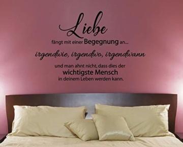 """Wandtattoo Schlafzimmer Sprüche """"Liebe fängt mit einer Begegnung an."""""""